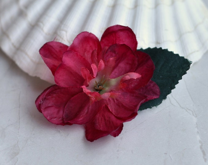 Delicate Blossom Flower Hair Clip in Red