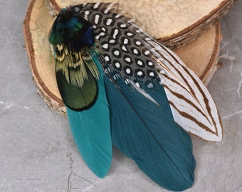 Monochrome and Green  Feather Lapel Pin No.202
