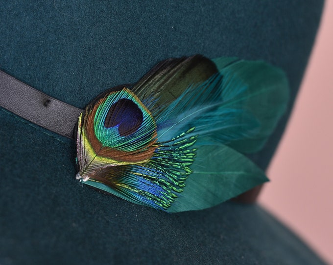 Teal and Green Feather Lapel Pin / Hat Pin Small No.67