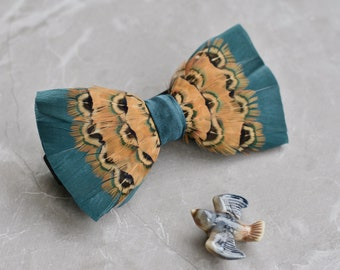 Pheasant Feather Bow Tie in Green and Gold