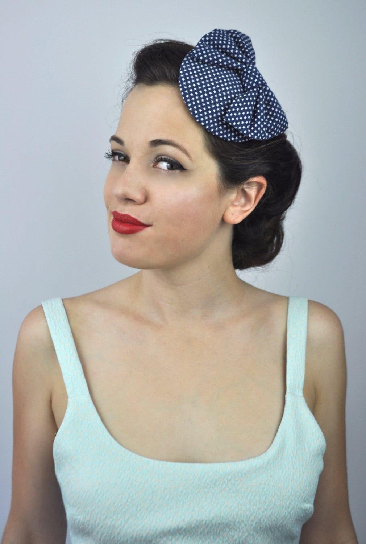 Retro 1950s Style Bow Fascinator in Tiny Star Print in Navy Blue ... ecc3ffcffe6