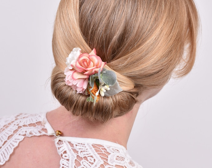 White and Blush Pink Flower Hair Clip