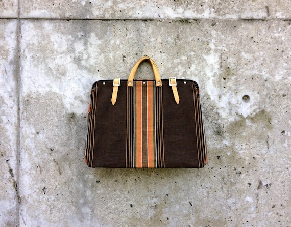 Claptrap Bag -- Groovy fabric bag with leather han