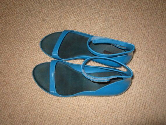 0999dd3523fa Vintage Louis Vuitton Blue Jelly Beach Shoes