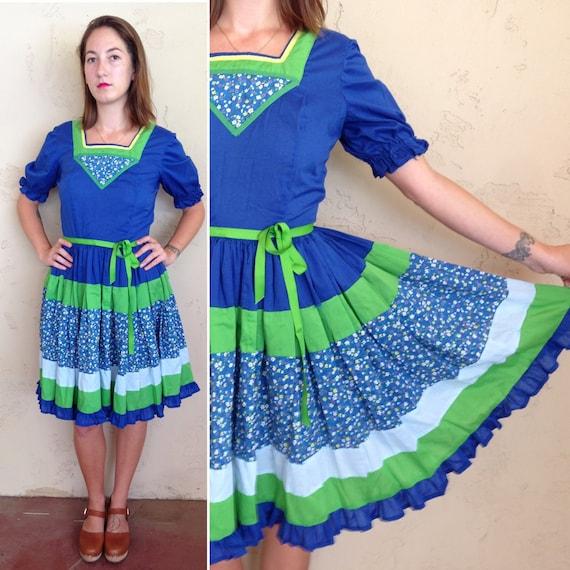 1950s praire dress w/ microfloral accents, puff sl