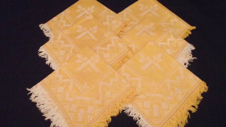 Vintage Tablecloth and Six Napkins Linen Gold
