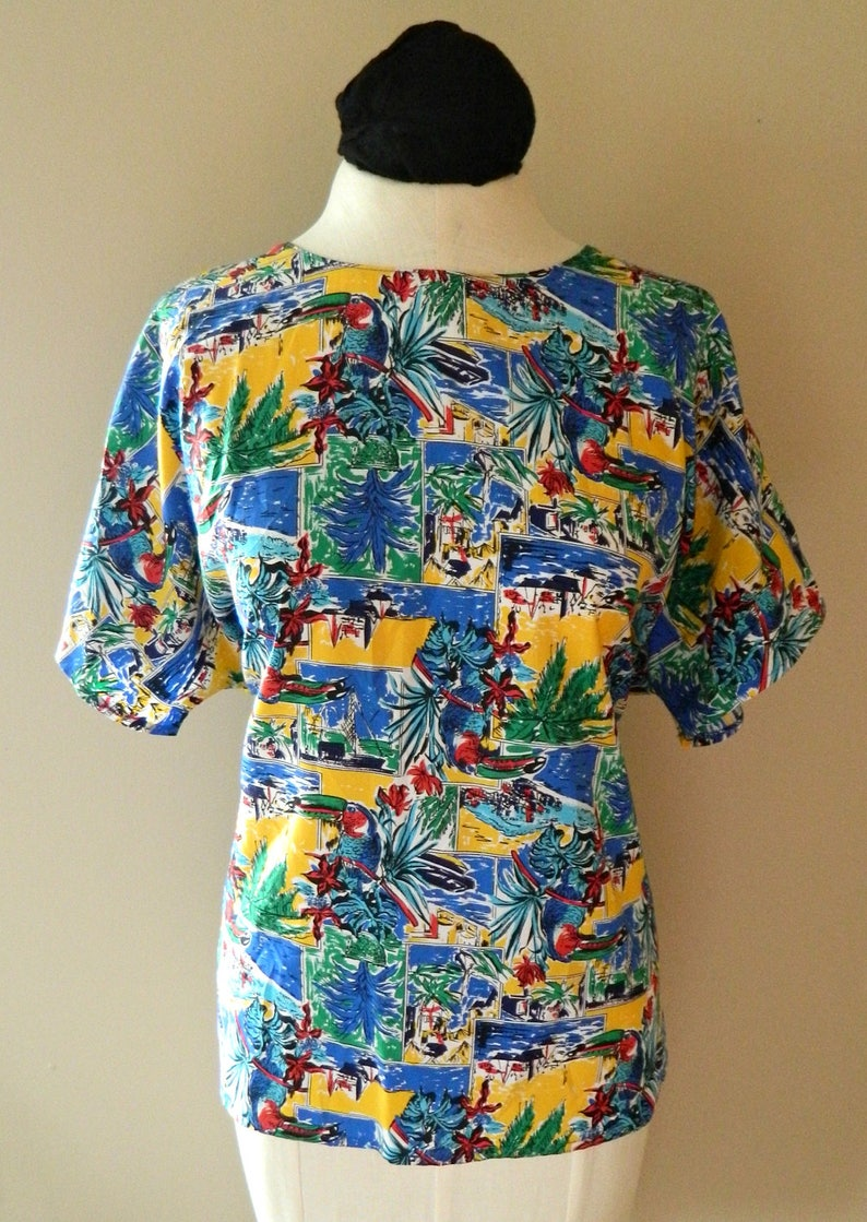 Fun Caribbean Inspired Blouse w Toucan Palm Tree /& Boat Motif Cruise Wear Tropical Vacation Red Green Blue Yellow Shirt Size Medium Large