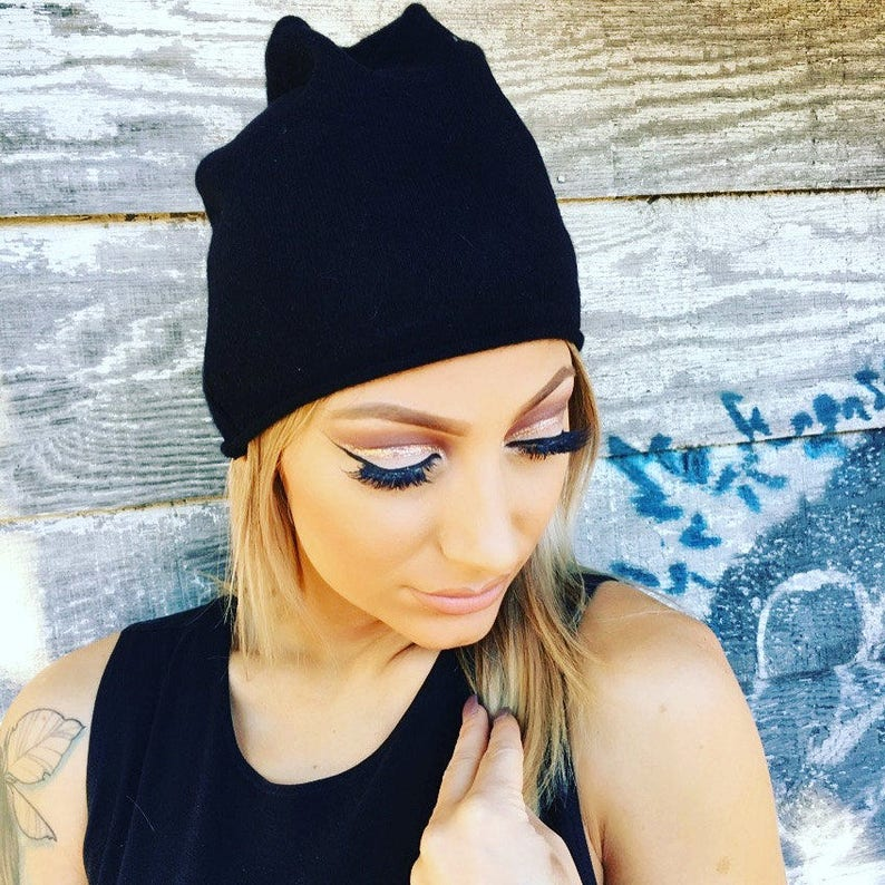 41b128911c964 Cashmere slouchy beanie hat in black from Vintage Creations.