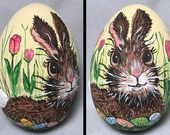 Easter Egg, hand painted Bunny in Tulips