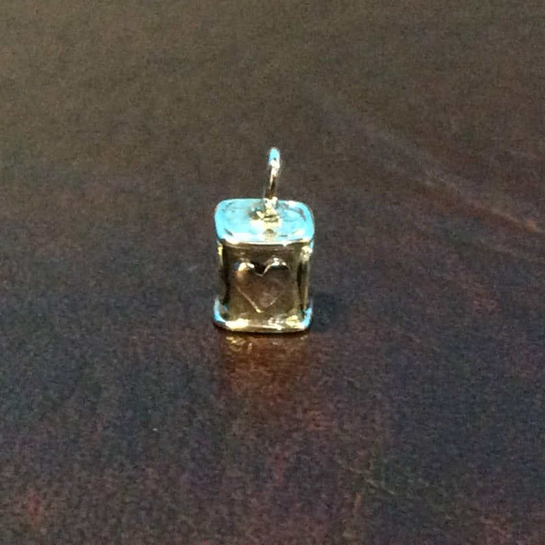 hammer with heart and horseshoe Sterling silver square end cap 4 x 4 x 6 mm inside dia EC998908