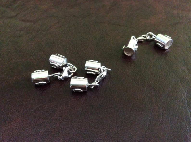 EC998821 Sterling silver round double end cap 5 mm plain finished with horse shoe lobster clasp