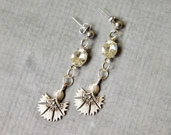 Elegant Glass Drop Earrings : Floral Vintage Style