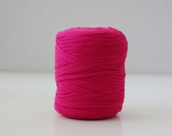 Fuschia Tshirt yarn, trapilho, zpagetti yarn, tshirt yarn, spaghetti yarn, Tshirt yarn, recycled yarn, fabric yarn, tee shirt yarn
