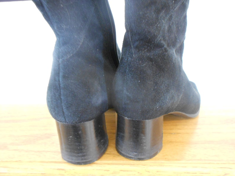 Black boots. Vintage ladies suede Bandolino boots Leather size 7 and a half
