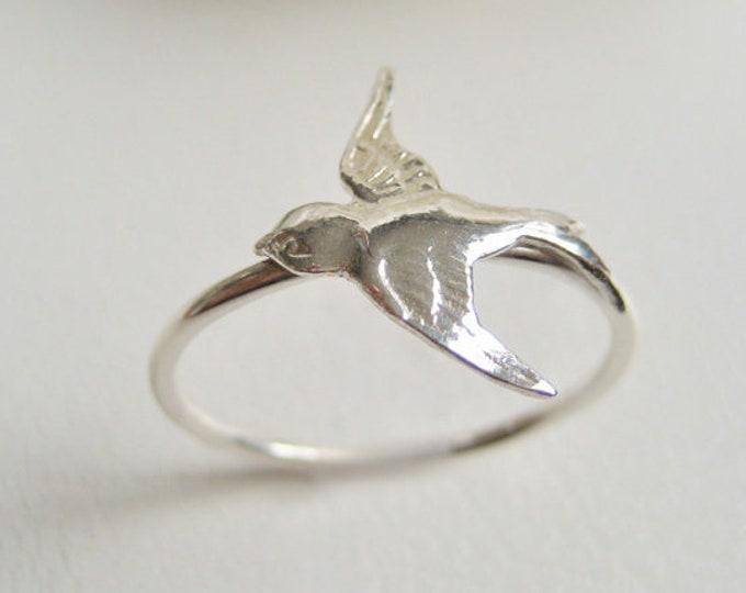 Featured listing image: Flygande svala Sterling silver ring fågel ring