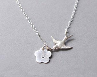 Sterling silver flygande svala minimalistisk halsband fågel med bokstav