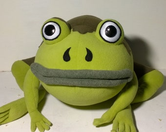 The frog from Over the garden wall, Jason Funderburker, Wirt, Greg, Beatrice, Patrick McHale, frog plush