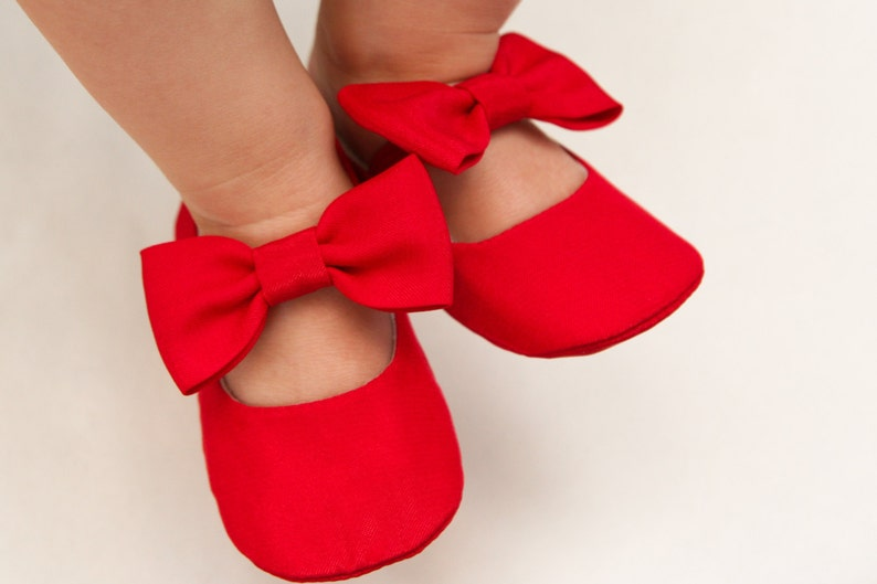 f868cfde5ac4 Bow shoes Red baby girl shoes red headband Christmas