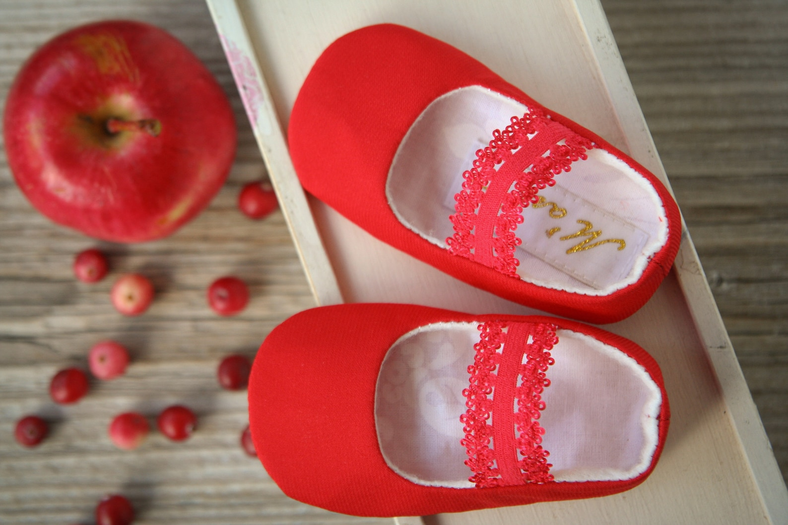 red baby girl christmas shoes, red baby slippers, ballerina shoes, white baby ballet flats, elastic strap shoes, christening sho