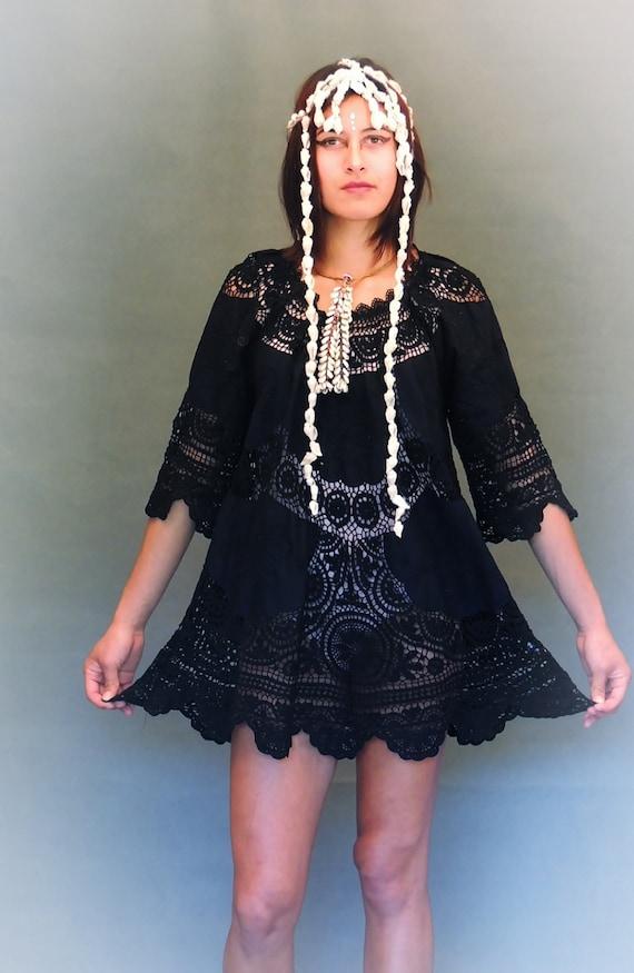 Stunning black lace crochet dress / cotton mini op