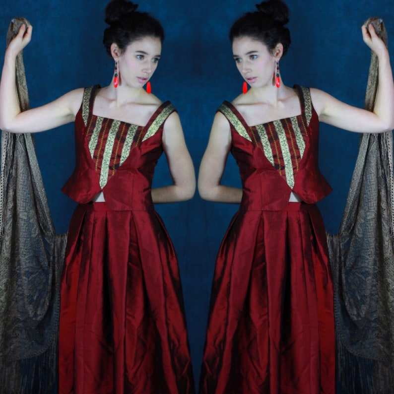 ed62b6085d Superbe soie rouge bordeaux vintage robe / brocart corsage | Etsy