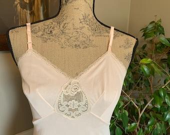 Us 6 80s soviet ladies underwear Uk 10 Slim fit Eu 38 New old stock Unworn vintage pink slip Retro synthetic lace negligee
