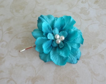 Turquoise Hair Clip - Bridal Flower Clip - Small Turquoise Blue Flower Pin - Bridesmaids Hair Clip - Flower Girl Hairpiece  - Brooch