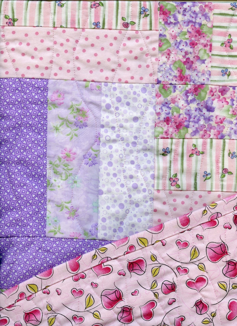 Hearts /& Roses Crib Size Baby Quilt