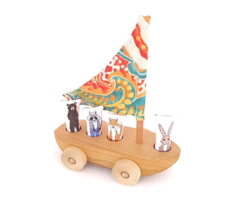 Wood Boat Wood Sail Boat Wood Toy Bear Woodland Animal Peg People Finger Puppet Heirloom Toy Toddler Gift Custom Toy Raccoon Fox