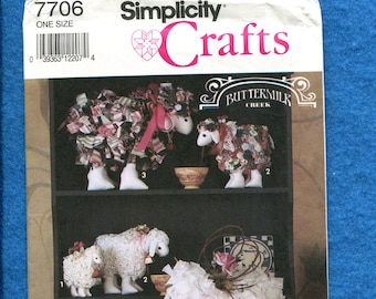 Simplicity 7706 Frilly Sheep & Lamb Home Decor Pattern UNCUT