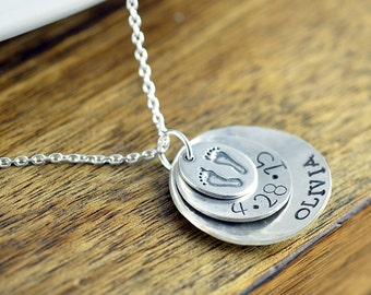 Mommy Baby Feet Necklace , Mother's Personalized Necklace, Hand Stamped Mom Necklace, Personalized New Mommy Jewelry