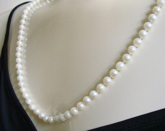 Lovely Vintage Cultured Pearl Matinee Necklace Hand Knotted 30 Inches Bridal Wedding Jewelry Jewellery