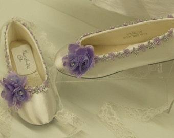 694196e8fffaf Flowergirl slippers | Etsy