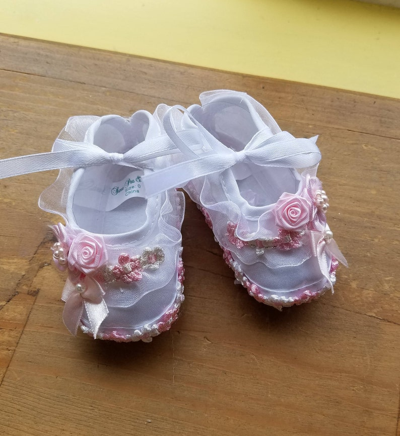 8443aa03b6deb Baby girls Shoes Pink White sizes 00 to 3, Lavender Flowers, White Satin  Mary Janes, Ruffles, Pearls, Baptism, Christening, Presentation,