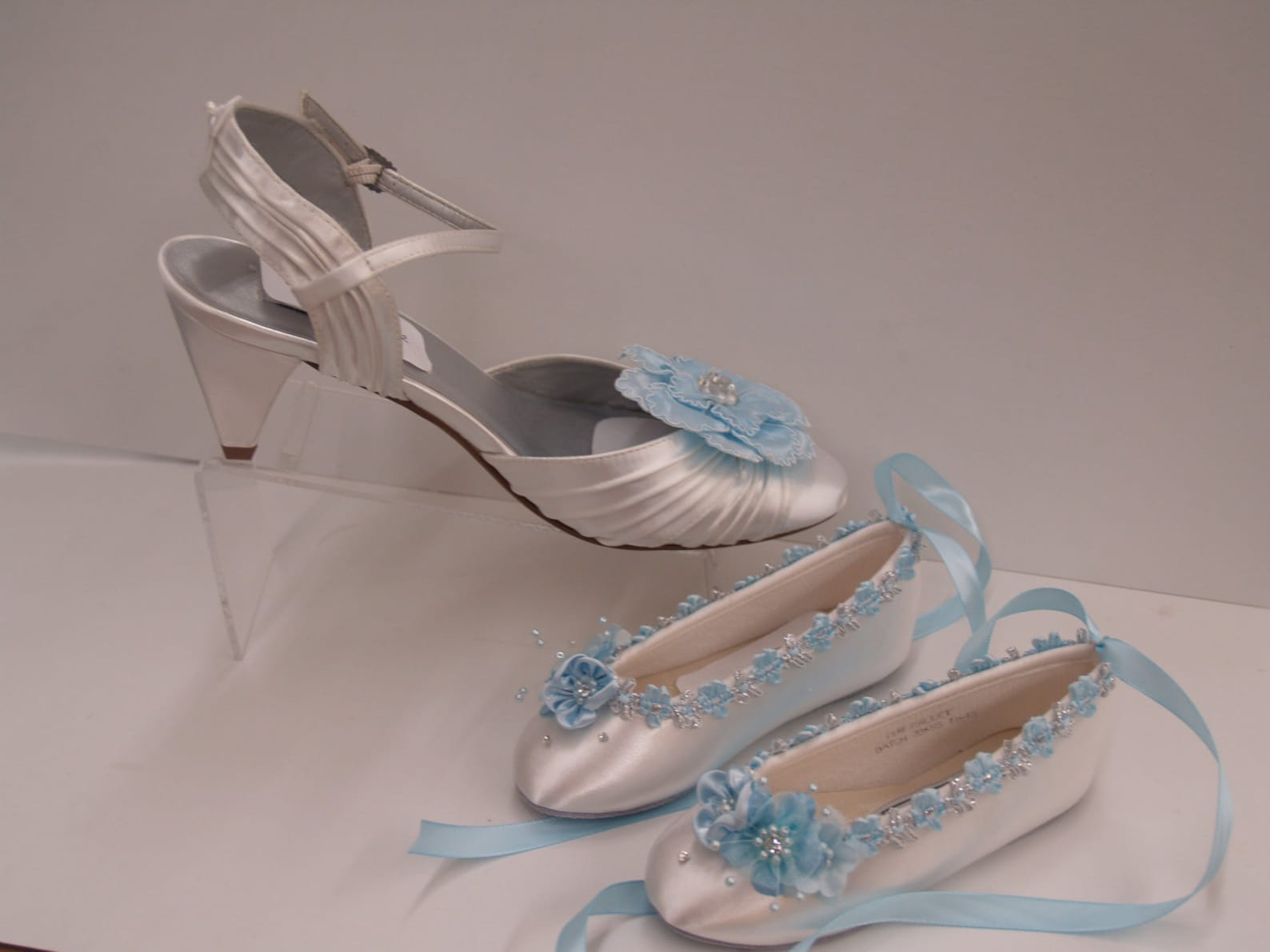 size 7 1/2 flower girl ballet style slipper blue white silver ready to ship,girls shoes,lace up ribbon,ballet style flats,light