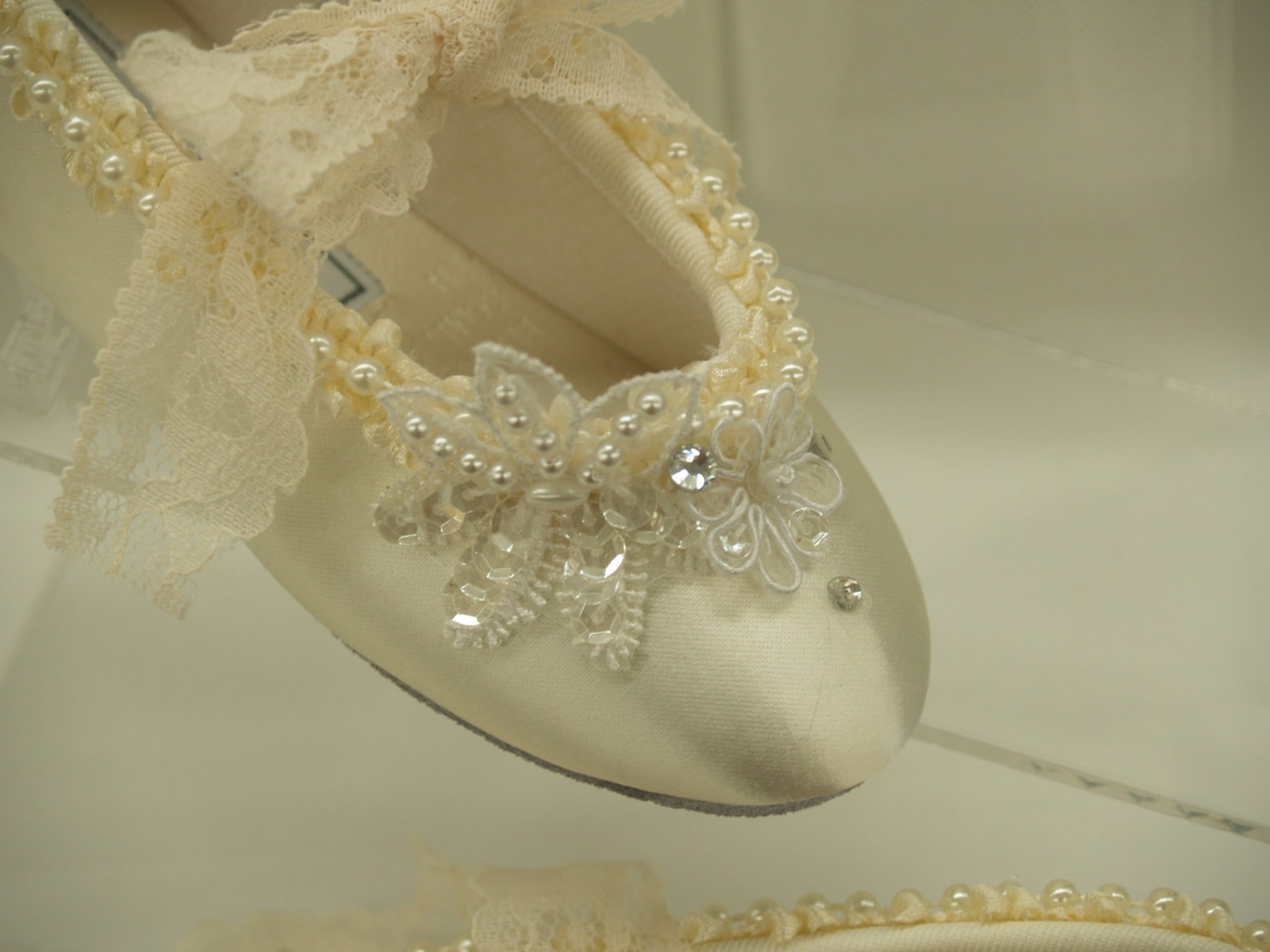 flower girls ivory ballet style slipper flats, girls ivory shoes, mary jane ribbon, first communion shoes, pageant wear, baptism