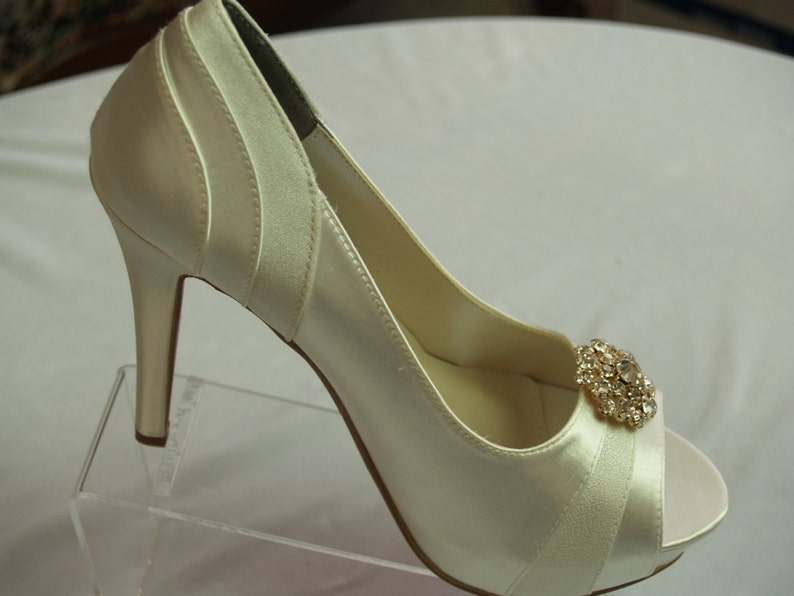 a5581615d96e0 Wedding Shoes 4 inch heels Ivory,Gold with Swarovski Crystals brooch, Art  Deco Nouveau,Old Hollywood, Great Gatsby, Peep Toe Heels, Romantic