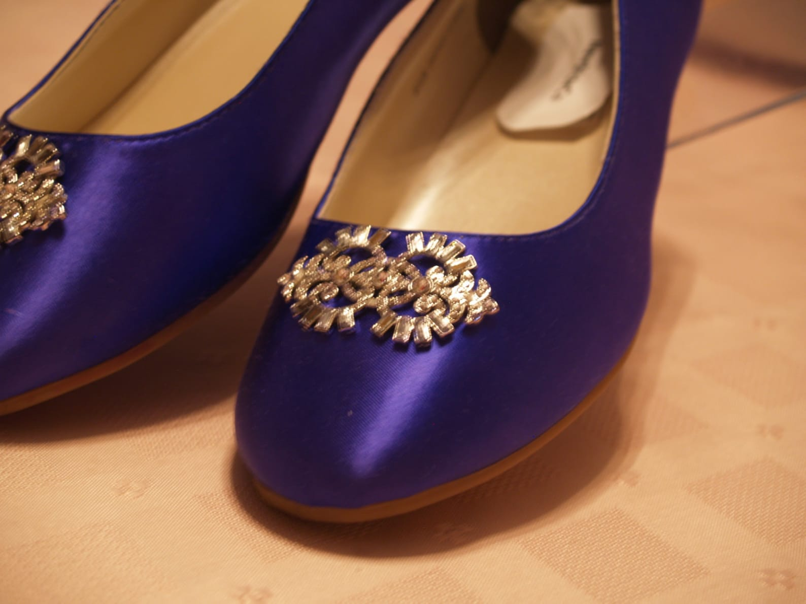 wedding flat shoes purple with brooch - deep purple flats plus 200 colors,non slip white satin ballet style slipper flats, bling