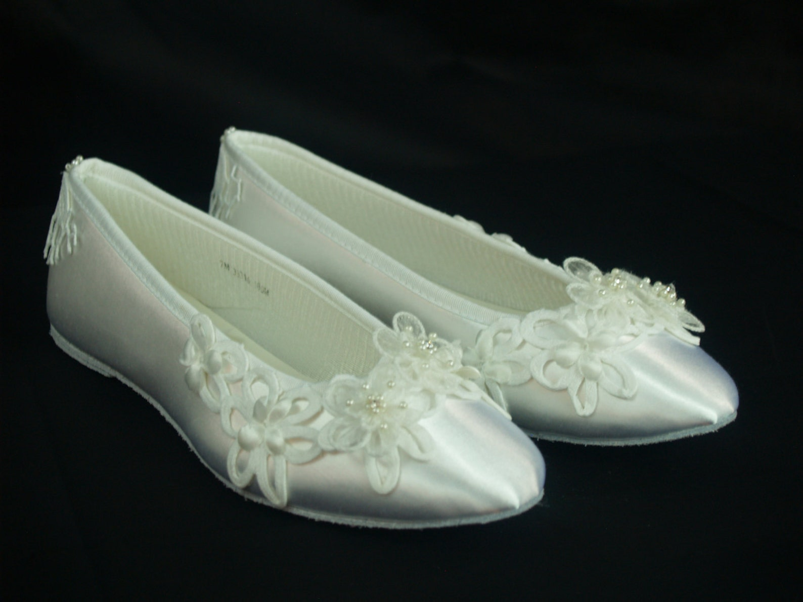 size 7 brides wedding flats battenburg lace white, ballet style slipper, romantic, satin flats, lace wedding, country chic,ready