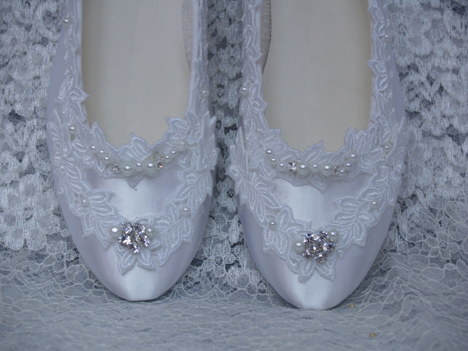 size 8 1/2 wedding flats w american lace pearls & crystals,ballet style flat,leather sole,satin flats, white lace, bling bride,r