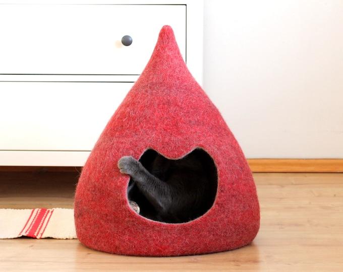 CAT BED / CAVE