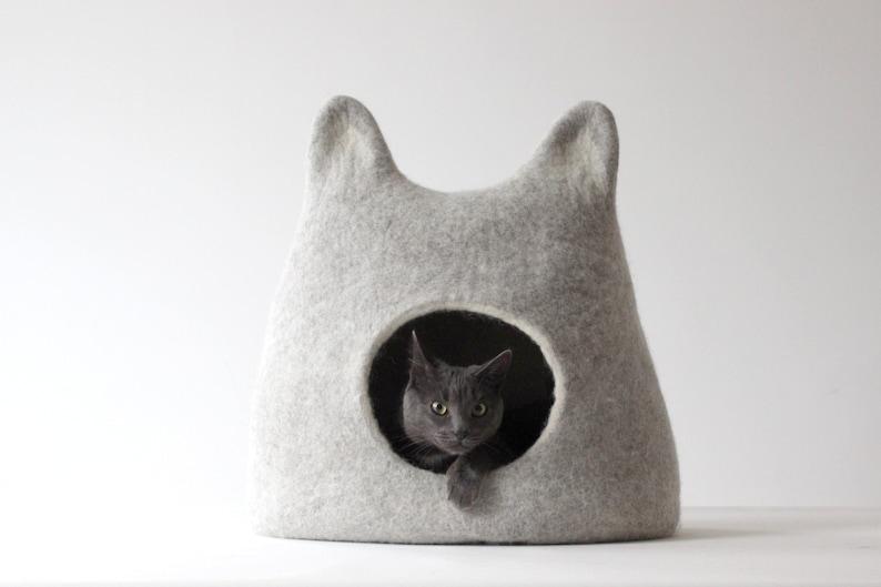 Wool cat bed cave felt cat house cat nap. Light grey wool cat image 1