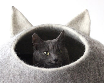 Cat bed with ears, wool cat cave cot. Cat house, cat nap. Natural grey pet bedding furniture.