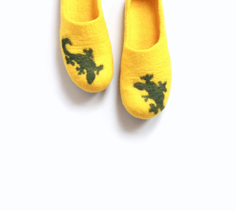 a74c5360ec4b7 Women house shoes, autumn slippers, winter slippers, bright yellow and  green felted wool slippers LIZARD, felt house shoes, women slippers