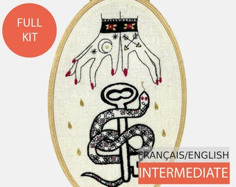 Modern Embroidery Kit, DIY kit, Hand embroidery pattern - Tutorial in English or in French. Raining Tears of Gold , Intermediate level.