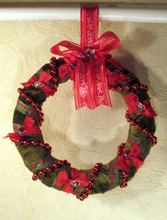 Christmas Wreath Made With Recycled Materials 8 20cm