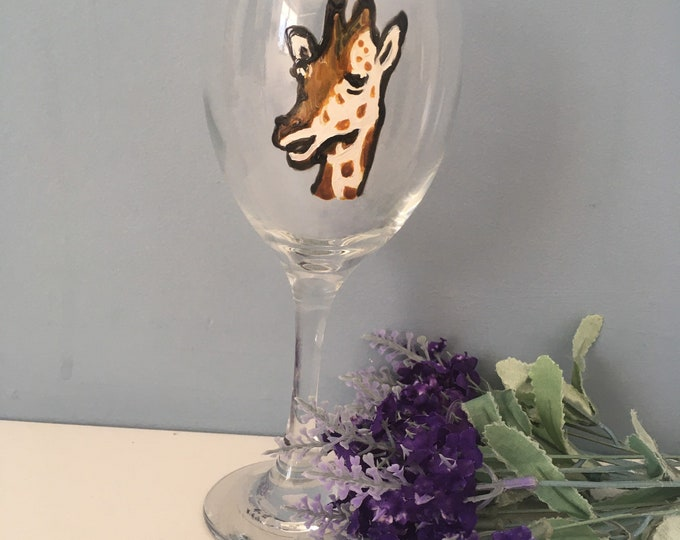 Giraffe wine glass, giraffe, for giraffe lovers, for wine lovers, wine, glass, hand painted, gin glass, for gin lovers