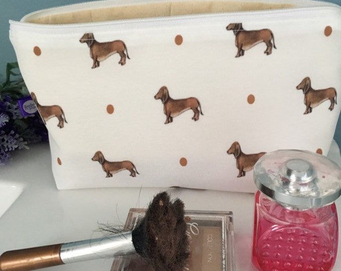 Sausage dog, daschund, makeup bag, Cosmetics bag, for sausage dog lovers, sausage dog guft