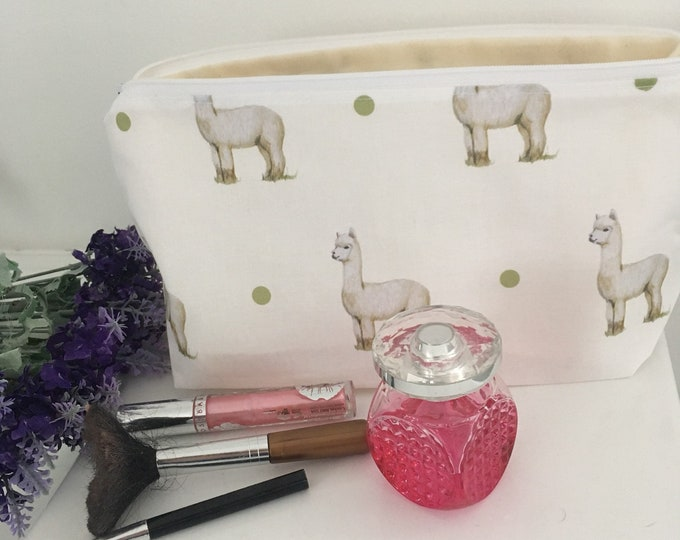 Alpaca, makeup bag, cosmetics bag, for alpaca lovers,for makeup lovers, alpaca gift