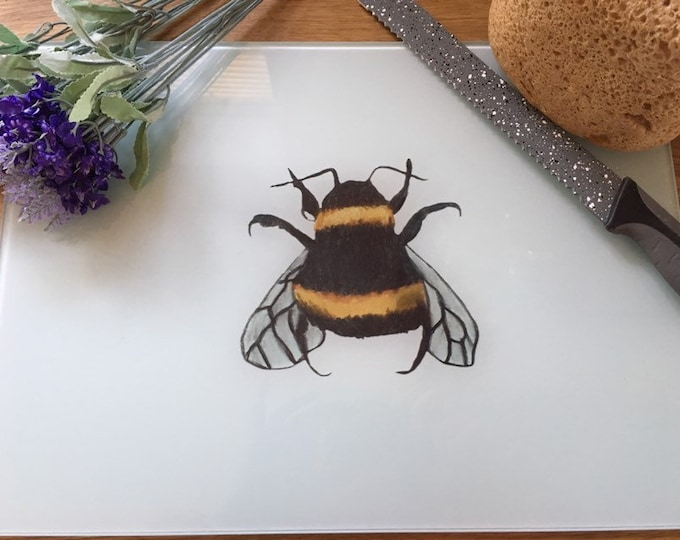 Bee chopping board, bumble bee, glass chopping board, for bee lovers, bee gift, bee kitchen ware